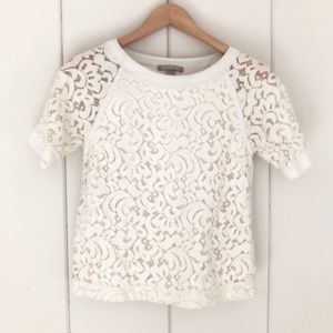 ☀️ Banana Republic Lace Raglan Top ☀️